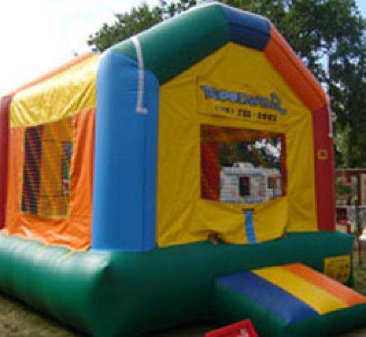 Bouncy House 13'L x 13'W x 11'H