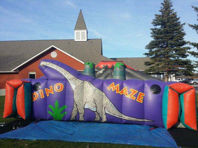 Dino Maze 18'L x 22'W x 10'H